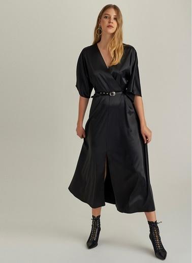 NGSTYLE Kemerli Saten Kruvaze Elbise Siyah